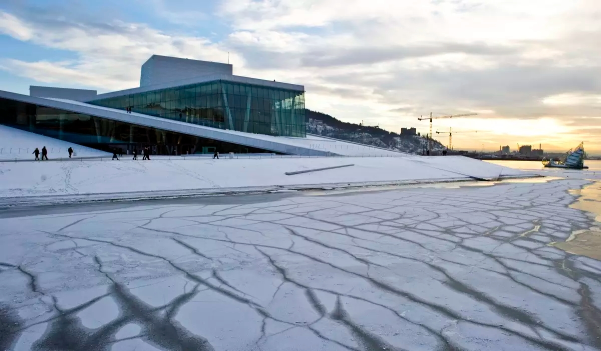 oslo_opera_house_norway_winter_74f913af-d675-4556-a890-f929f05b26d7.jpg
